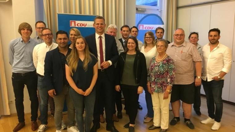 Christoph de Vries mit großer Mehrheit als Kreisvorsitzender wiedergewählt