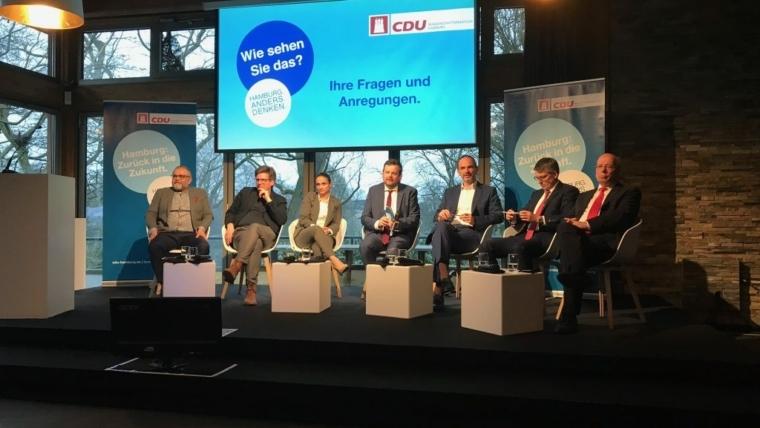 Von links nach rechts: Ali Toprak, Julian Petrin, Freya Gräfin Kerssenbrock, André Trepoll, Prof. Ulrich Reinhardt, Ralf-Martin Meyer, Rainer Wendt